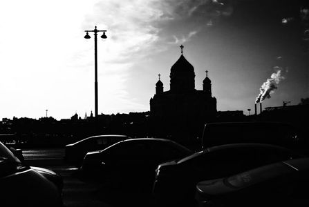 Moscow, winter, morning traffic jam, Cathedral of Christ the Saviour